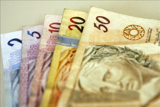 Olvida una mochila con 22.000 euros en un aeropuerto