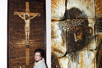 Un Cristo hecho con tostadas