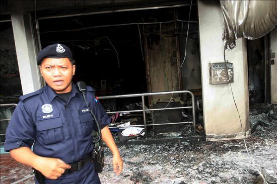 Atacan con bomba incendiaria la cuarta iglesia cristiana en Malasia
