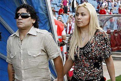 Maradona y su novia pierden el hijo que esperaban tras una caída