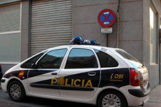 Una asistenta roba 32.000 euros a una pareja de ancianos
