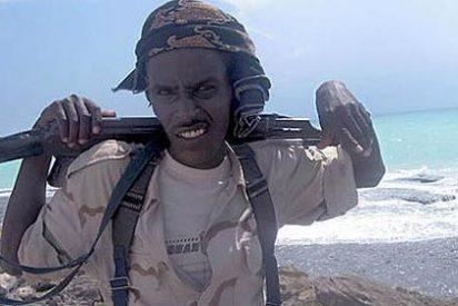 Piratas somalíes secuestran un barco británico con 25 tripulantes
