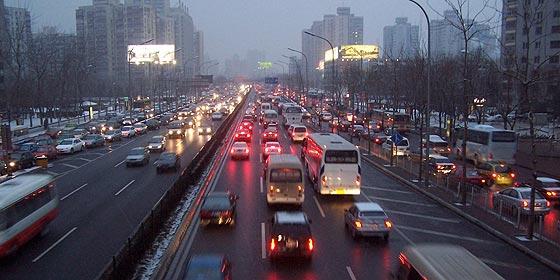 China desbanca a EEUU como primer mercado automovilístico del mundo