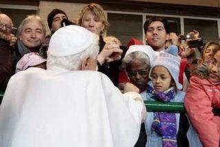 """Papa a los pobres: """"Sabed que la Iglesia os ama y no os abandona"""""""