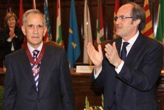 Sentido elogio del ministro Gabilondo a Manuel de Castro