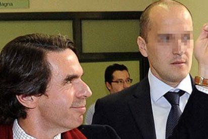 "Aznar acusa a ZP de haber ""fundido el país"""