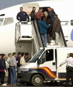 Interior dicta órdenes secretas para la expulsión 'exprés' de inmigrantes