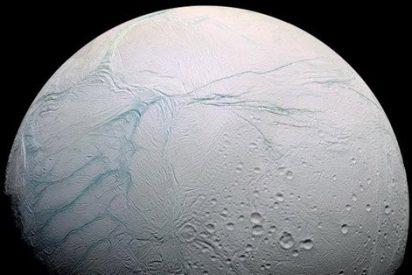 El extraño mundo de una luna de Saturno
