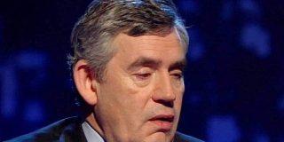 Gordon Brown rompe a llorar en directo al recordar la muerte de su bebé