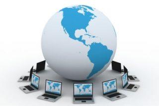 """Umberto Eco: """"Internet es una parodia de la enciclopedia"""""""