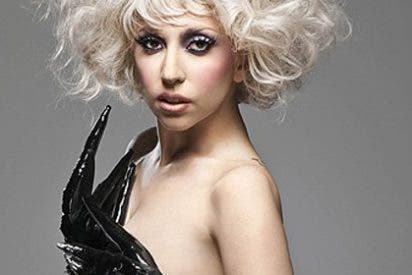 Lady Gaga zurra a un fotógrafo