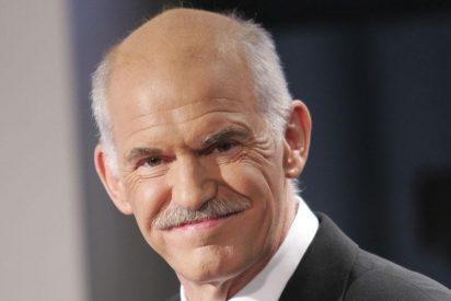 Papandreu le dice a Merkel que Grecia no necesita ayuda financiera