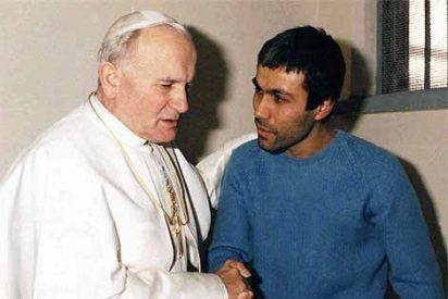 Benedicto XVI defiende el legado de Wojtyla