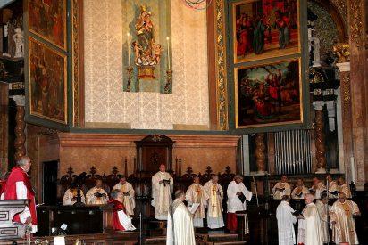 Tres de cada cuatro españoles se declaran católicos