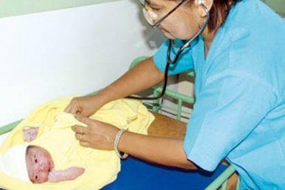 Inhumana madre abandona a su bebé, recién nacido, en un basural