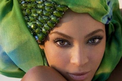 Deslumbrante posado de Beyoncé para su propia marca