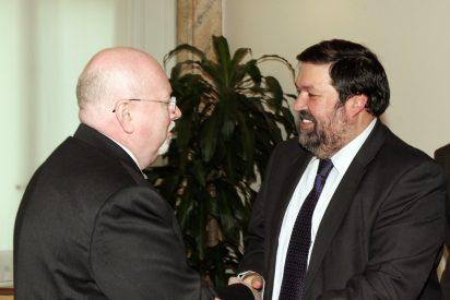 El Ministro de Justicia recibe al secretario general de la Alianza Evangélica Mundial