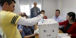 Los colombianos votan en España en una jornada tranquila y sin incidentes