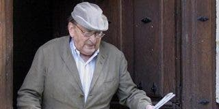 El escritor Miguel Delibes fallece a los 89 años de edad