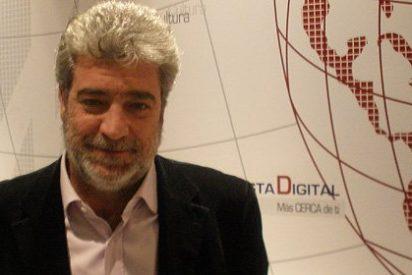 """No tiene nombre que los de la crítica desaforada a Aznar se vendan a Berlusconi"""