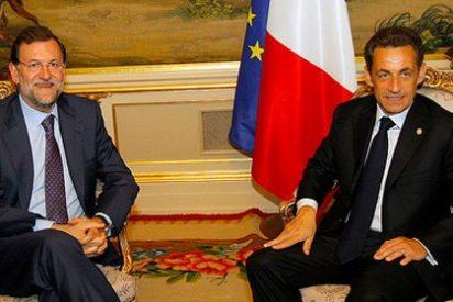 Bofetada a Sarkozy por adaptarse a la izquierda