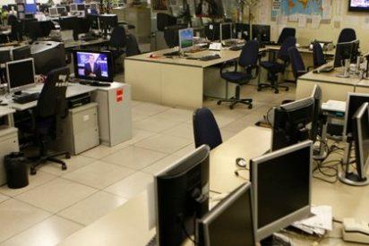 La redacción de la Agencia EFE se queda vacía en las primeras horas de la huelga
