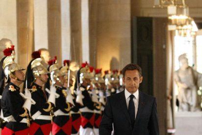"""Sarkozy decidirá """"entre finales de verano y principios de otoño"""" si se presenta"""