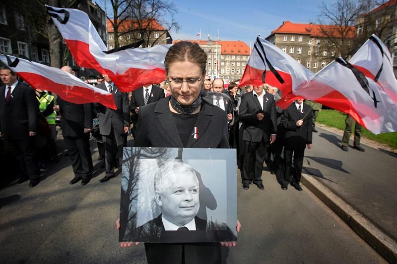"""Lukashenko considera que Kaczynski fue el """"responsable"""" del accidente"""