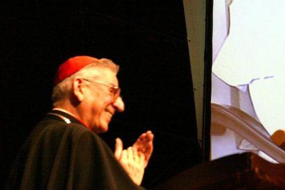 El Vaticano denuncia que uno de sus cardenales felicitó en 2001 a un obispo que ocultó un caso de pederastia