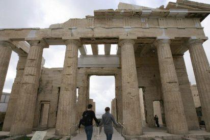Bruselas revisa al alza el déficit de Grecia