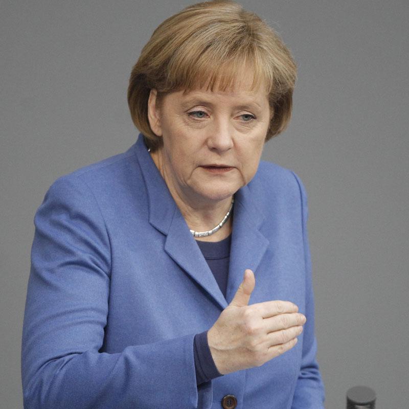 Merkel dice que la ayuda a Grecia sólo se activará si es totalmente necesario