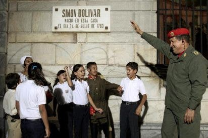 """Chávez asegura que """"no está prevista la sucesión a corto plazo"""""""