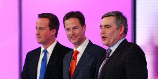Cameron saca partido de la economía en el último debate televisado