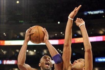 Lakers pierden con Bryant y Cavaliers sin James
