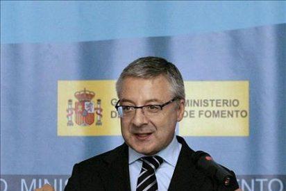 """Blanco califica de """"cicatería"""" las críticas a la ayuda de España a Grecia"""