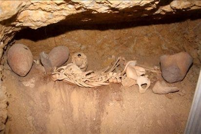 Hallan en el desierto egipcio 14 tumbas que datan del siglo III antes de Cristo