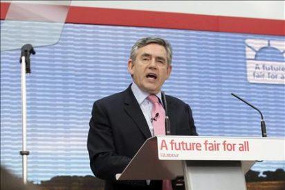 El primer ministro británico promete reconstruir la economía para ganarse el apoyo electoral