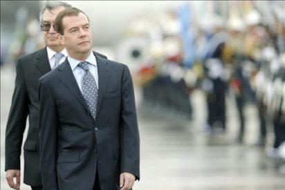 Medvédev llega a Argentina para entrevistarse con Fernández