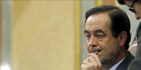 Uriarte dice que se equivocó y quita de la web del PP el artículo en defensa de Bono