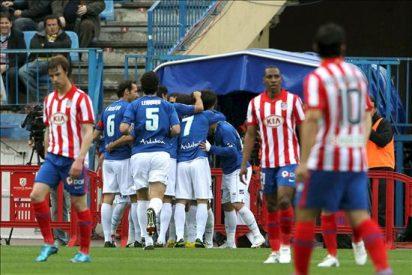 El Atlético se desentiende de la Liga mientras el Xerez se aferra al milagro