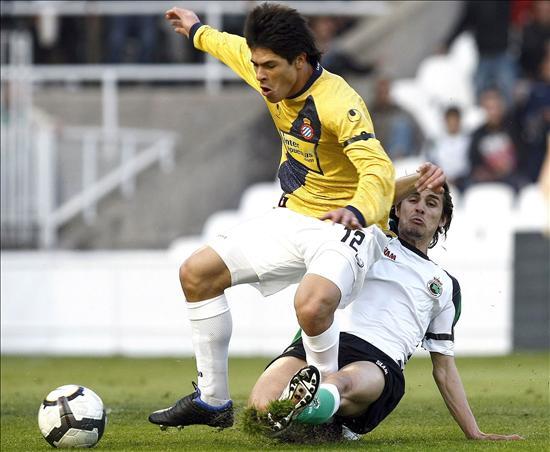 3-1. El Racing da un paso hacia la permanencia con goles de Tchité y Arana al Espanyol