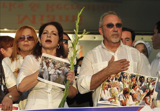 Los Estefan exponen a Obama la situación de Cuba en un evento de recaudación