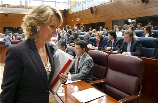 Aguirre empieza a elevar el tono contra sus diputados imputados en Gürtel