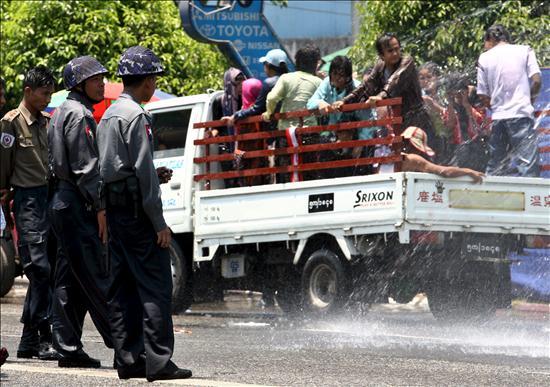 """La Junta birmana pide ayuda para detener a los """"terroristas"""" de los atentados en Rangún"""
