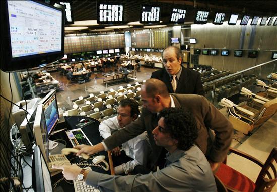 Los principales mercados latinoamericanos bajan en línea con Wall Street