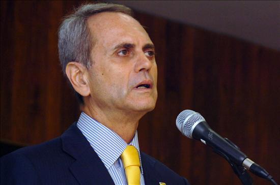 Un ex colaborador fue elegido para suceder al cuestionado gobernador de Brasilia