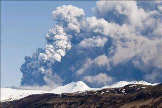 La erupción del volcán al sur de Islandia se mantiene estable
