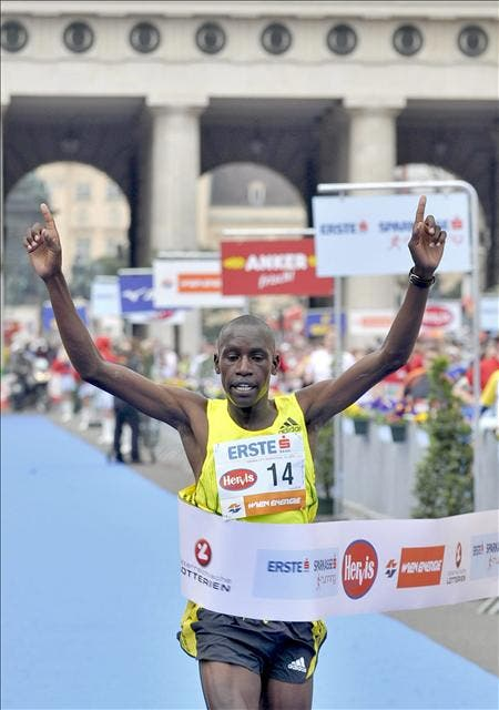 El keniano Henry Sugut gana el maratón de Viena con 2h.08:40