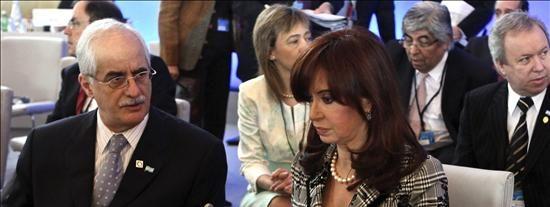 Fernández visita Venezuela para los actos del bicentenario y se reunirá con Chávez