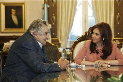 Mujica y Fernández se reunirán antes de siete días tras el fallo de La Haya